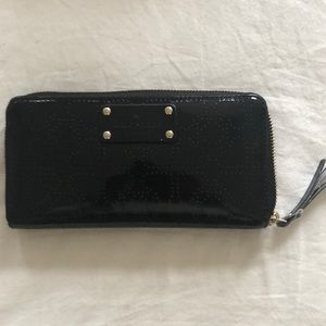♠️ Kate Spade patent leather wallet